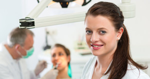 Dental Assistant Training - A Job that helps People Feel Good